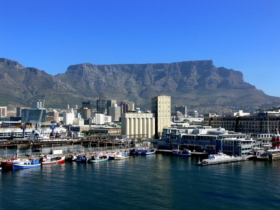 Waterfront at Cape Town harbor, with Table Mountain