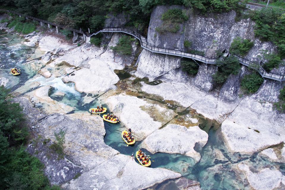 Rafting Canoeing Canyoning at Minakami Gunma