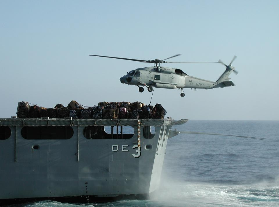 在H-60海鷹直升機