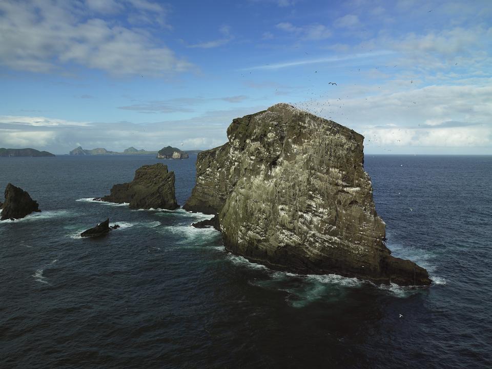 Iceland Vestmannaeyjar Sulnasker