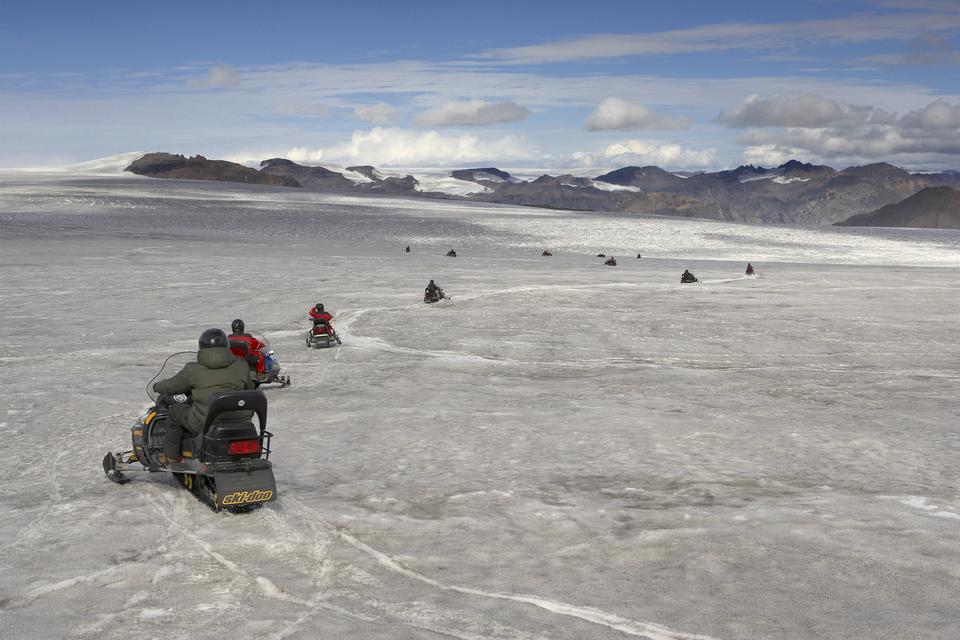 Vatnajokull 빙하, 아이슬란드에 스노 모빌