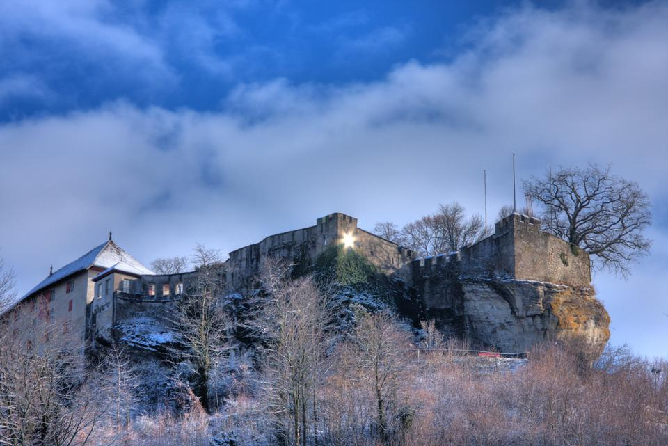 倫茨堡城堡在雪地