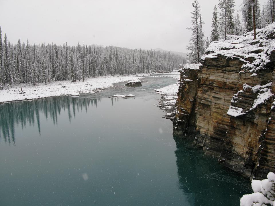 La rivière Athabasca, Parc national de Jasper, Alberta, Canada