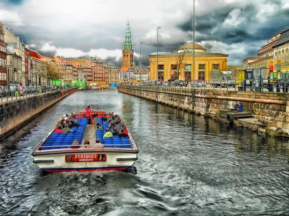 Canal Boat Copenhagen Danimarca