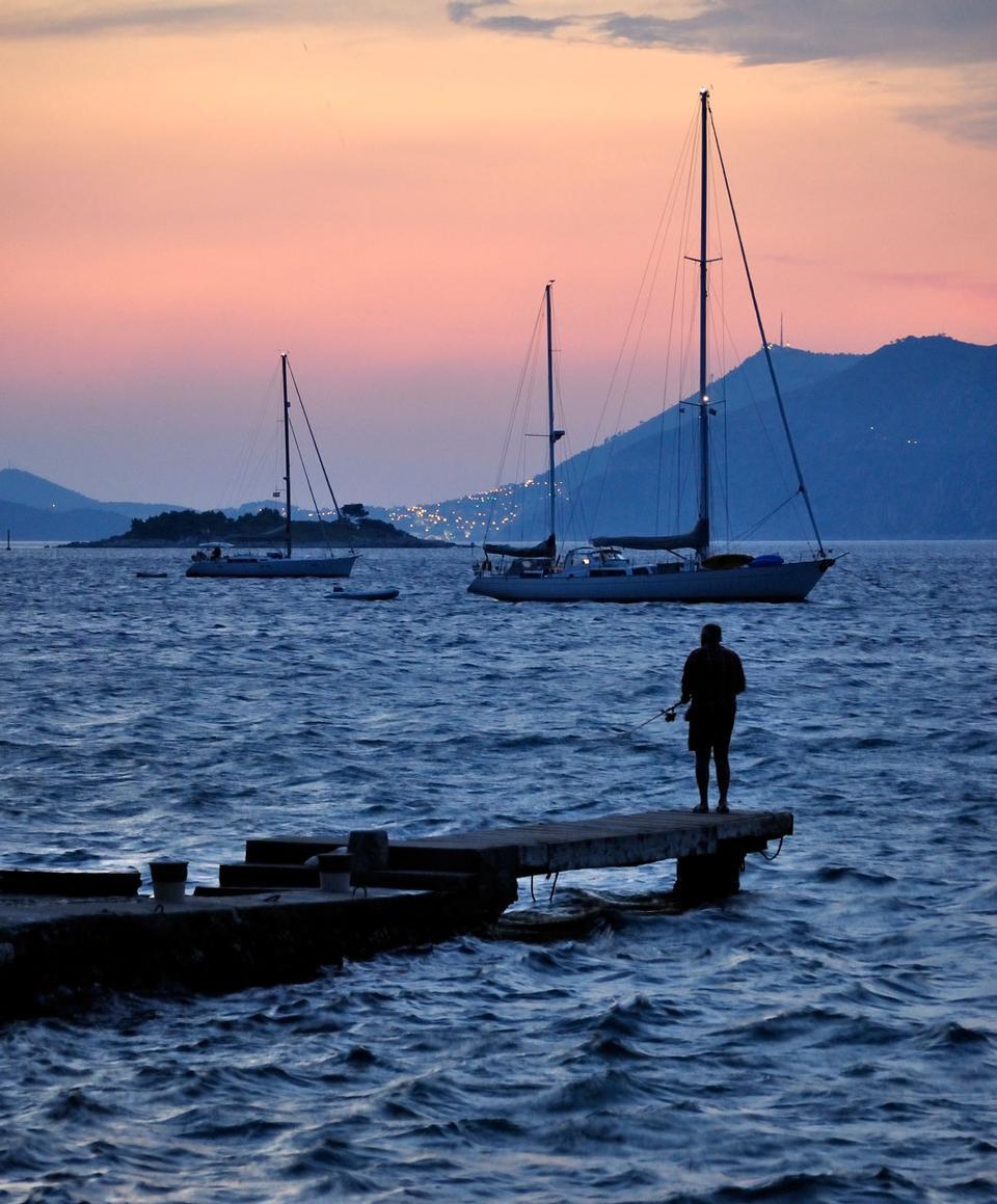 ただアドリア海での日没後