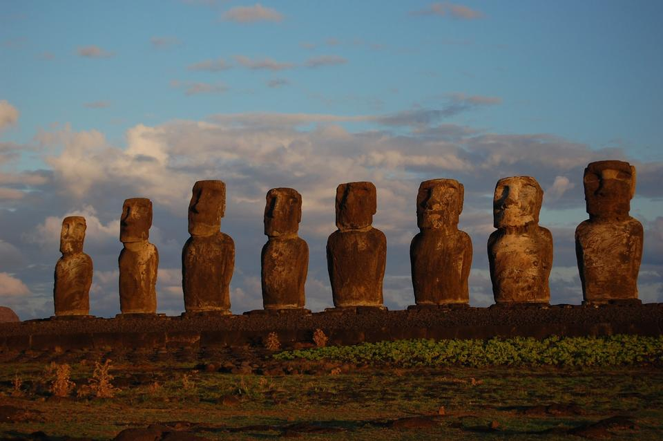 Moai facing inland at Ahu Tongariki