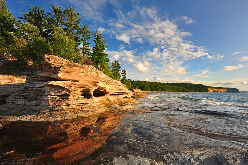 Mosquito Beach en ilustración Rocks National Lakeshore