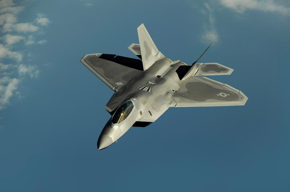 ロッキードマーチン/ボーイングF-22ラプター