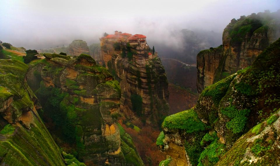 huge rock mountains, Meteora Greece