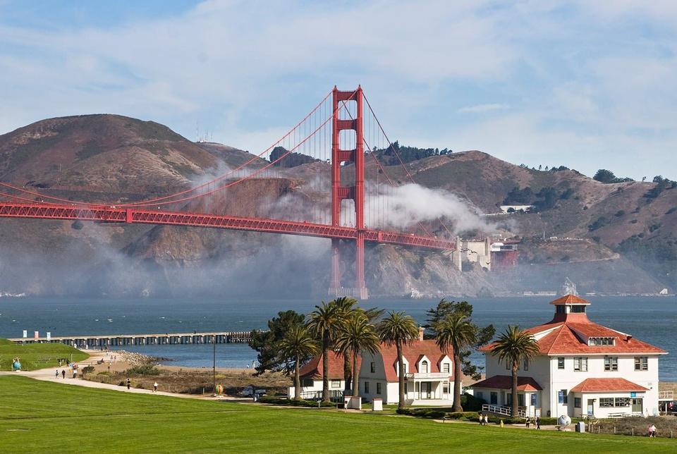 Estação Velha Guarda Costeira e Golden Gate Bridge