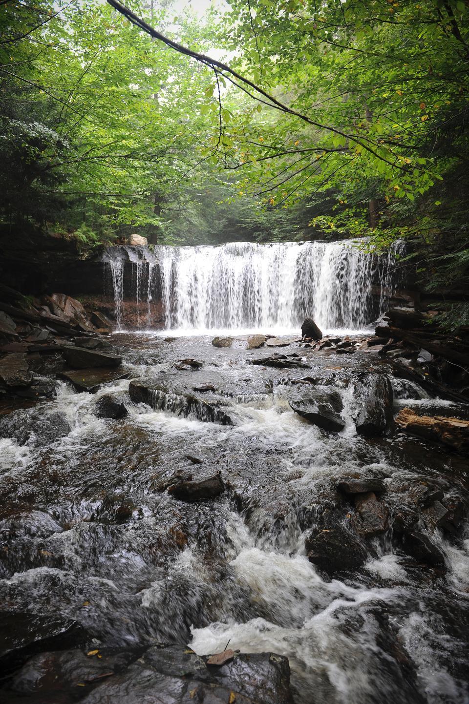 在里基茨峡谷国家公园瀑布