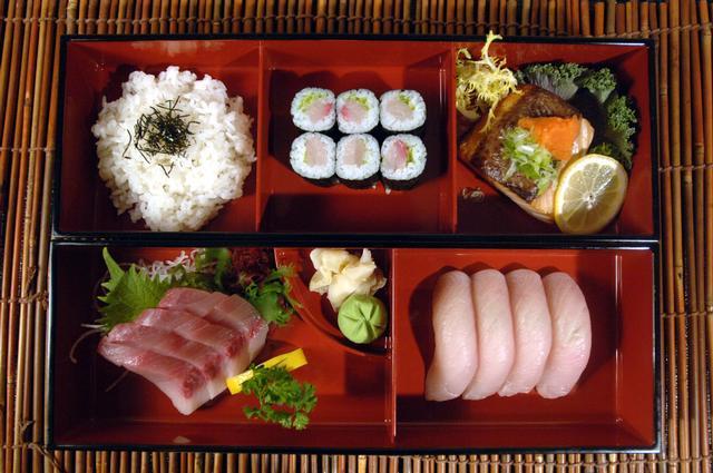晚餐Hamachi的便當盒