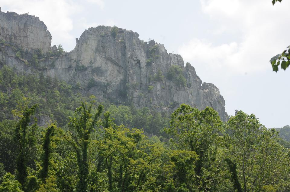 Climbing Seneca Rocks,WV