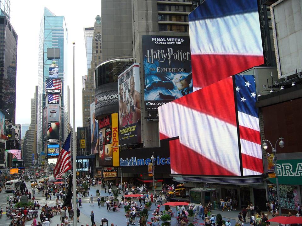 タイムズスクエア、ニューヨークのブロードウェイショー看板