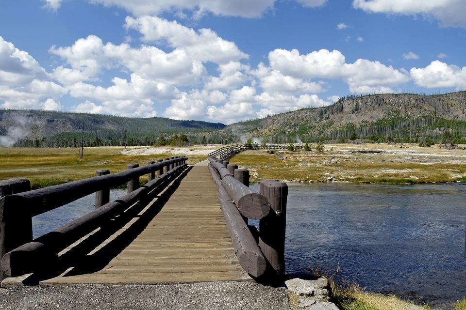 나무 다리 옐로스톤 강 와이오밍