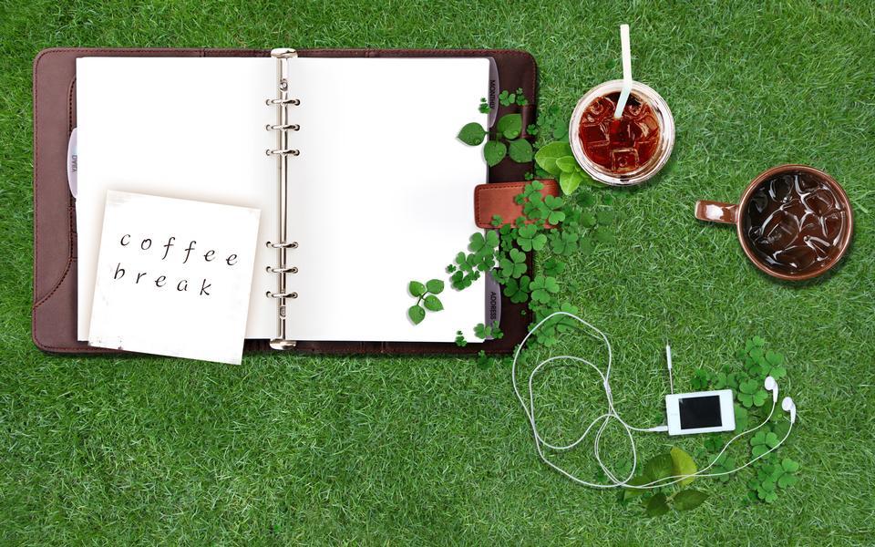 ノートに、付箋紙に書かれた-coffee-