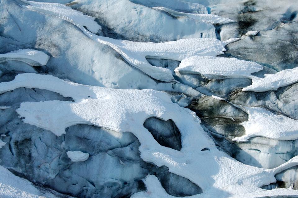雪的形式醒目圖案的老冰川