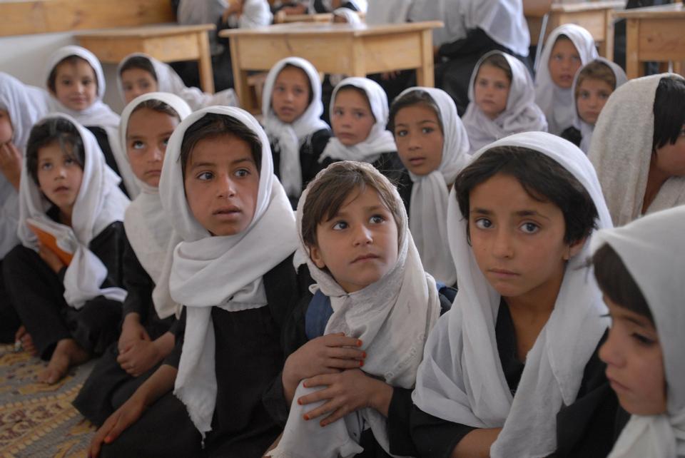 アフガニスタン女の子