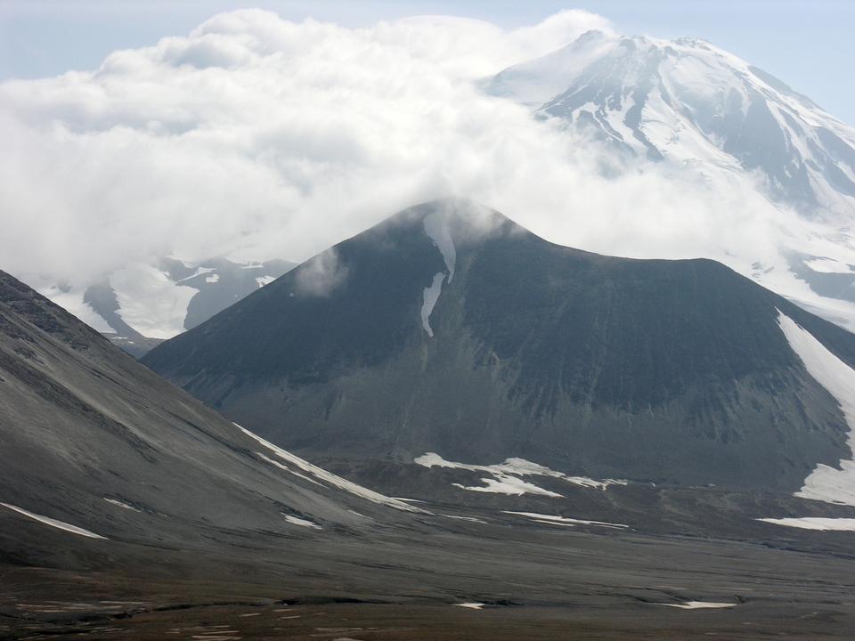 卡特邁通和Mageik火山