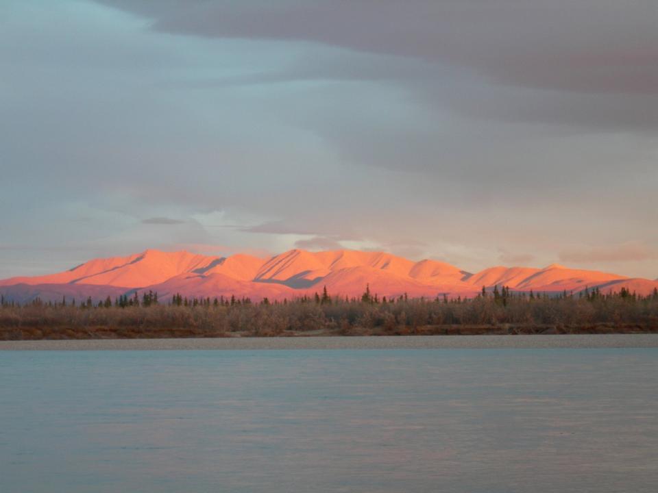 pink light on the Maiyumerak Mountains