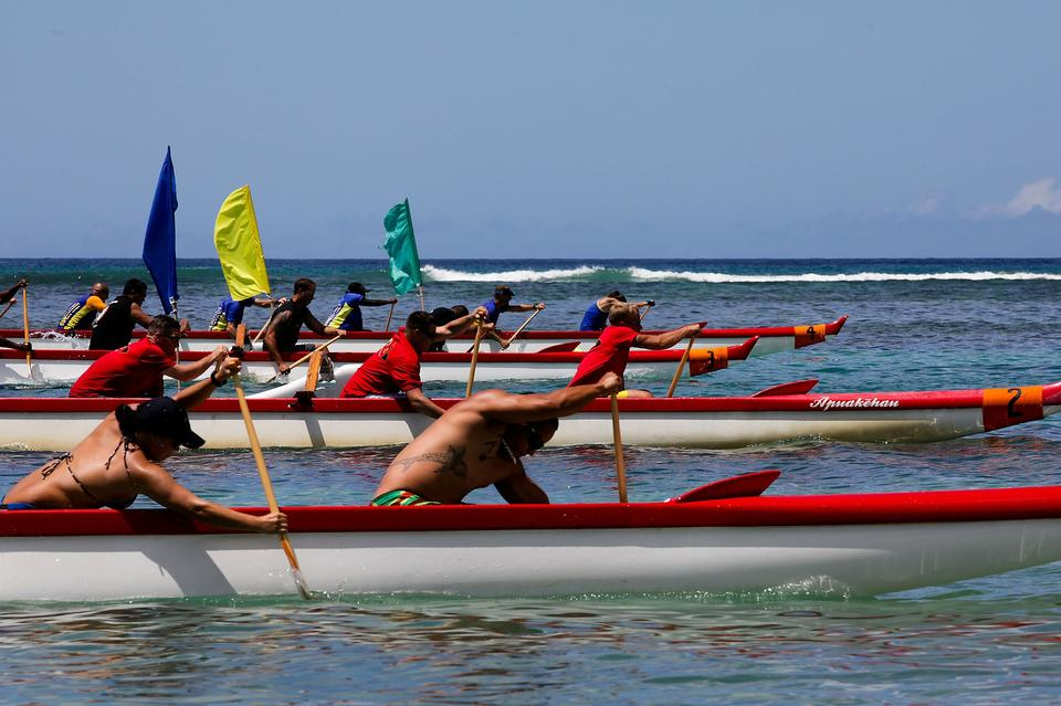 Boat race in Honolulu Hawaii