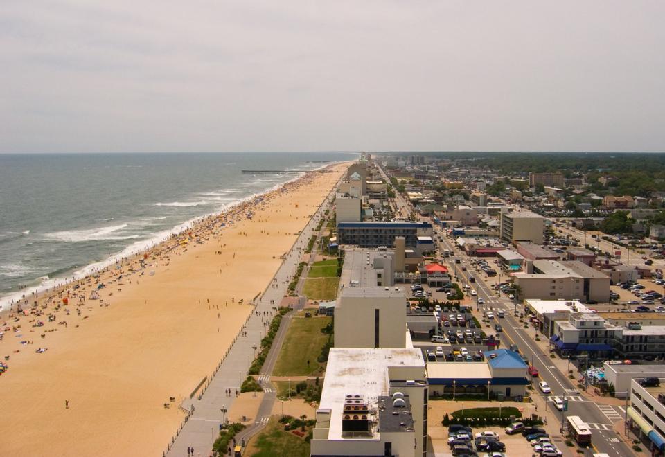 Shoreline au océan Atlantique et Virginia Beach