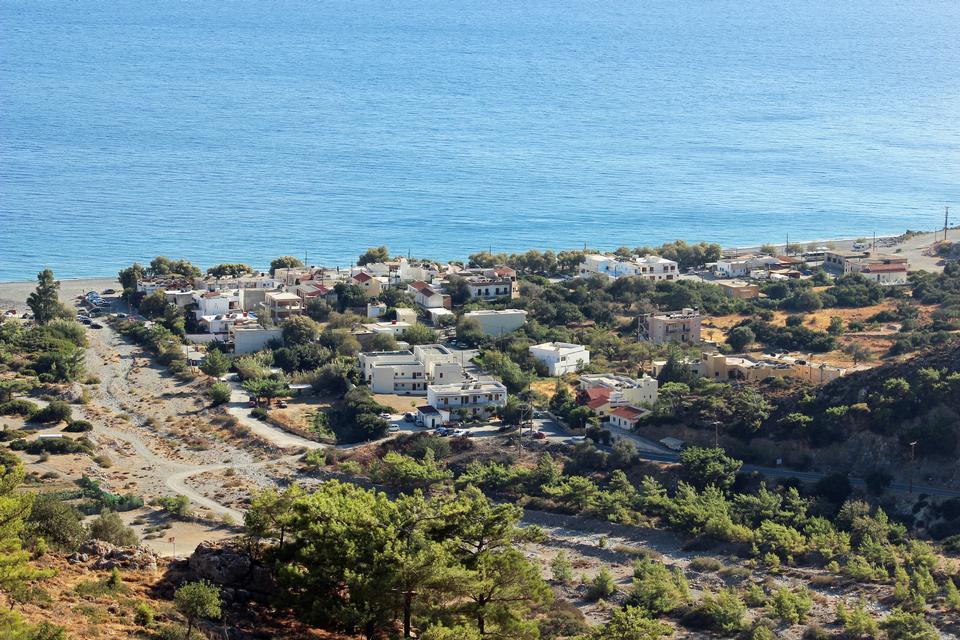 南の島、ギリシャSougiaののビーチ