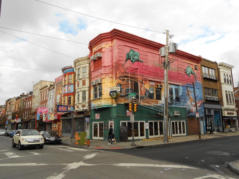 フィラデルフィアのサウスストリートと2ndストリートの北西角、