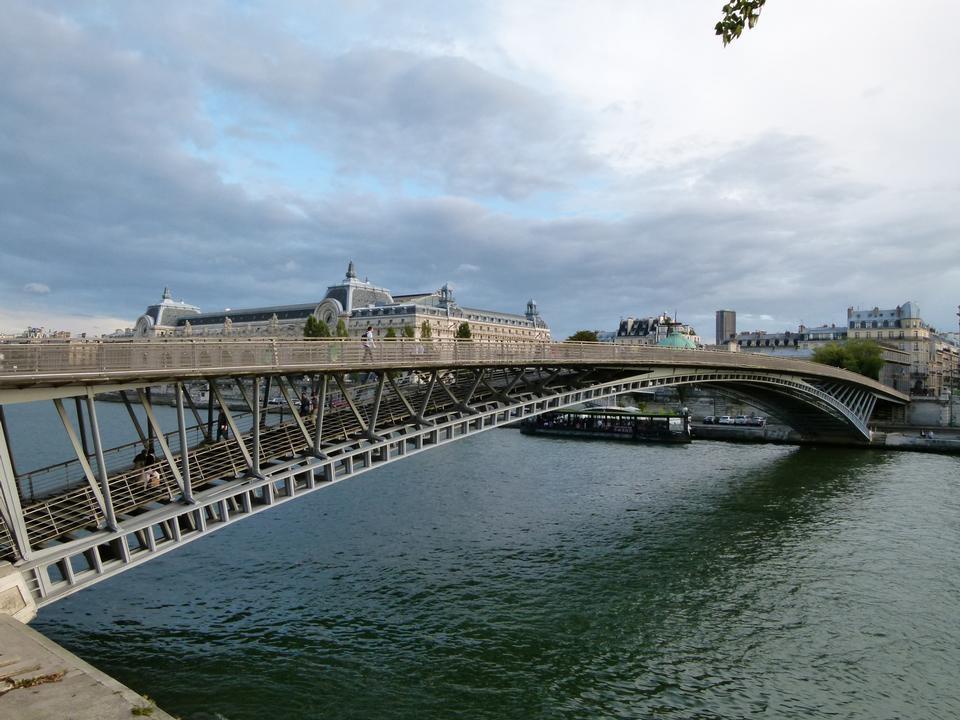 Ponte pedonale Leopold Sedar Senghor. Paris.France