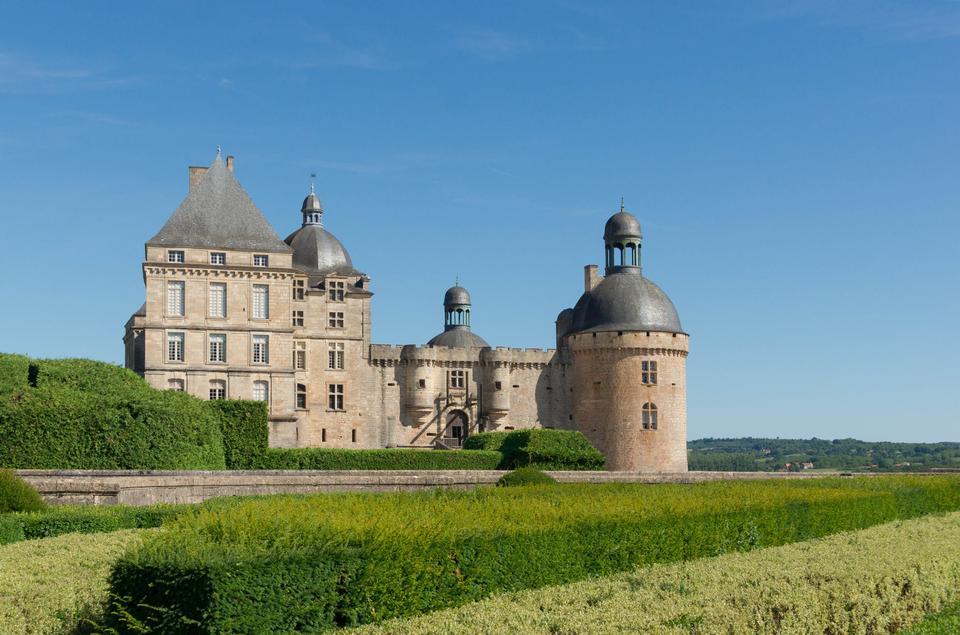Gardens et Château de Hautefort, Périgord, France