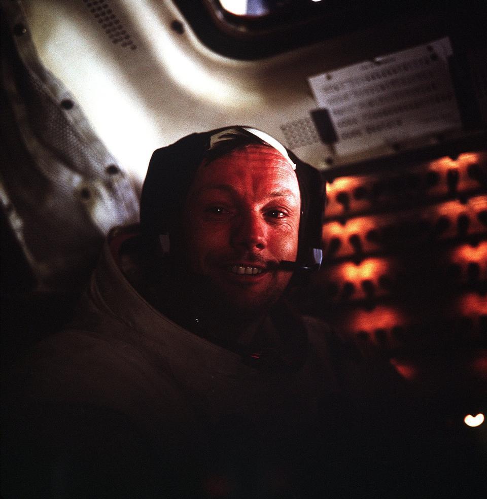 우주 비행사 닐 A. 암스트롱