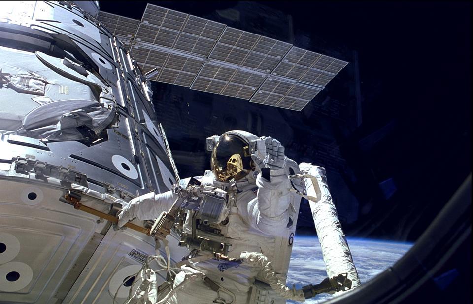 庆祝十五年国际空间站