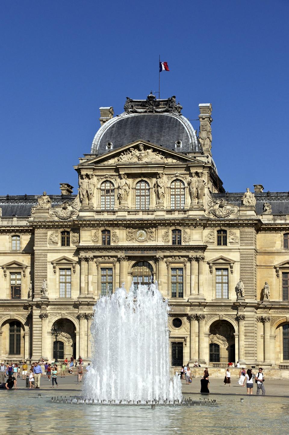 ルーヴル宮殿、パリ、フランス
