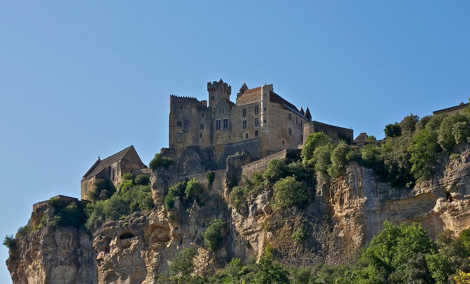 法国贝纳克的中年城堡