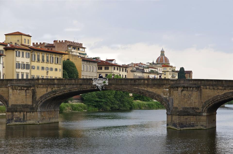 Italie Pont, rivière Florence Arno et de Santa Trinity