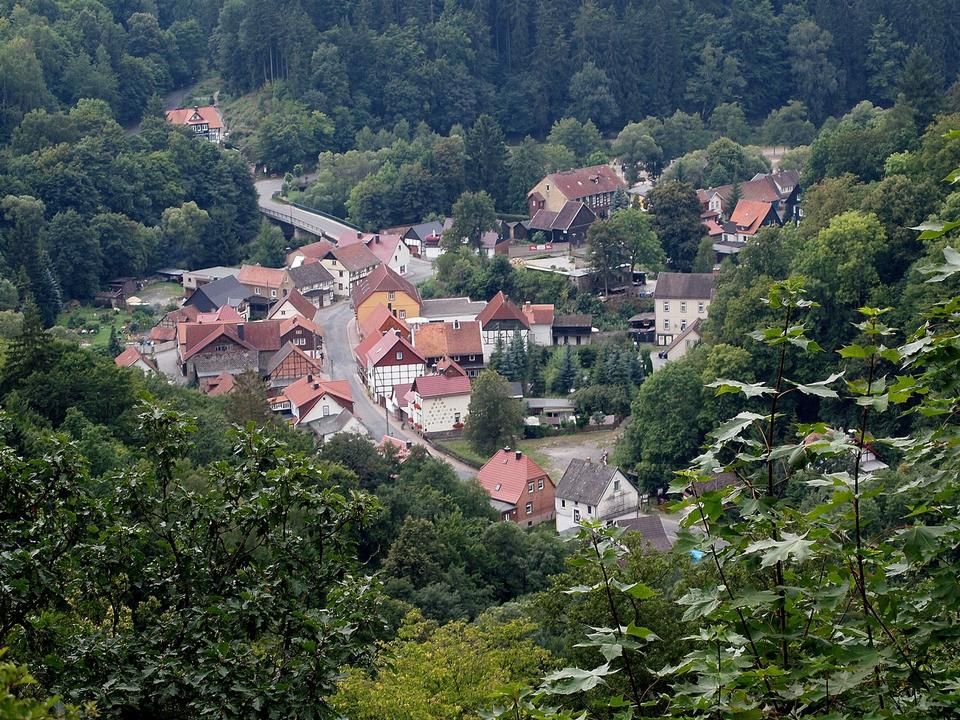 Böser Kleef crags of the village of Altenbrak, Harz mountains