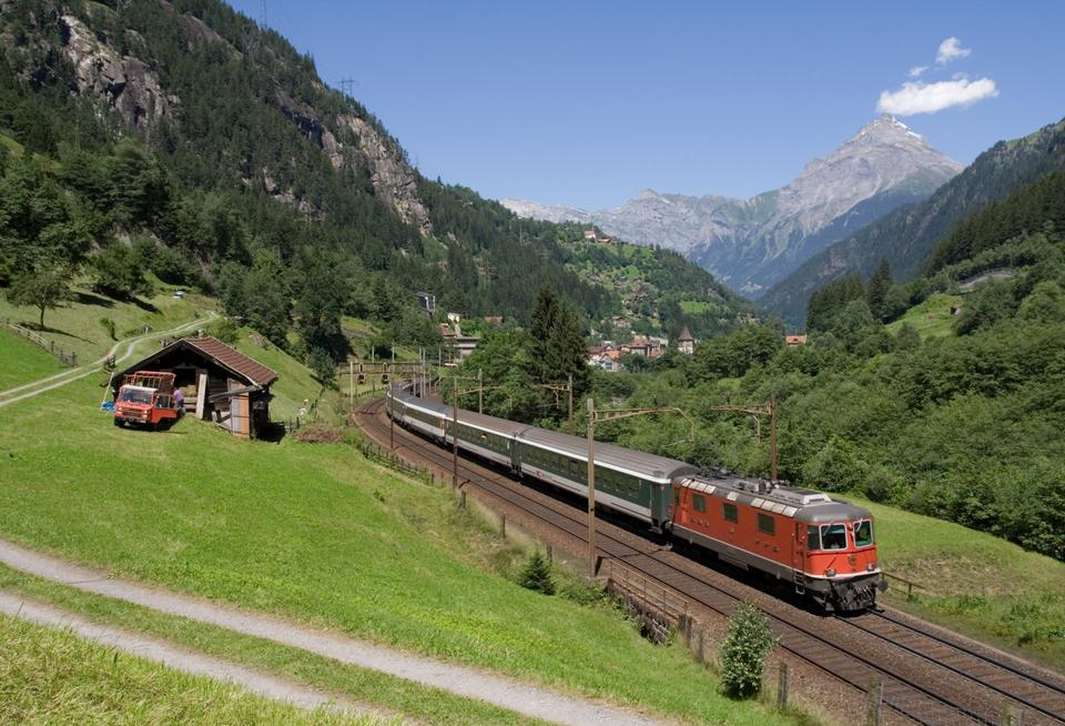 マッターホルン·ゴッタルド鉄道の氷河特急