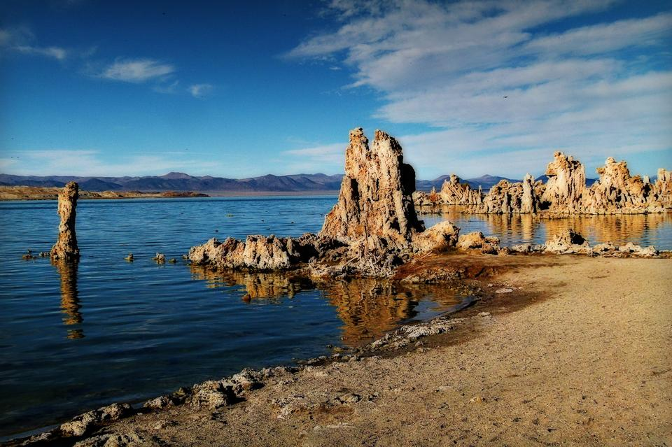 Tufa tower rock formations in Mono Lake