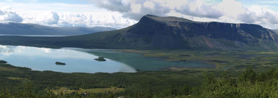 산 Nammatj 호수 Laitaure