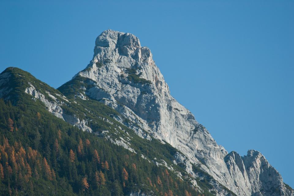 Arnplattenspitze從洛伊塔附近Weidachsee