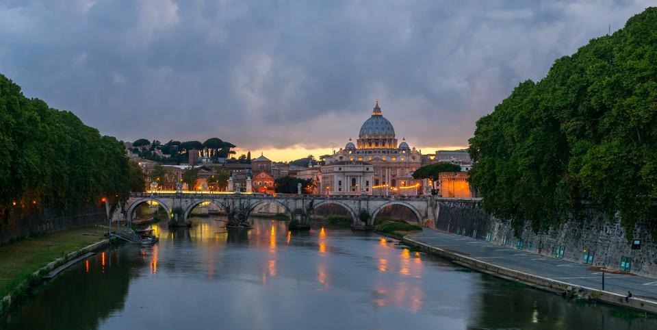 Umberto I bridge, Rome, Italy