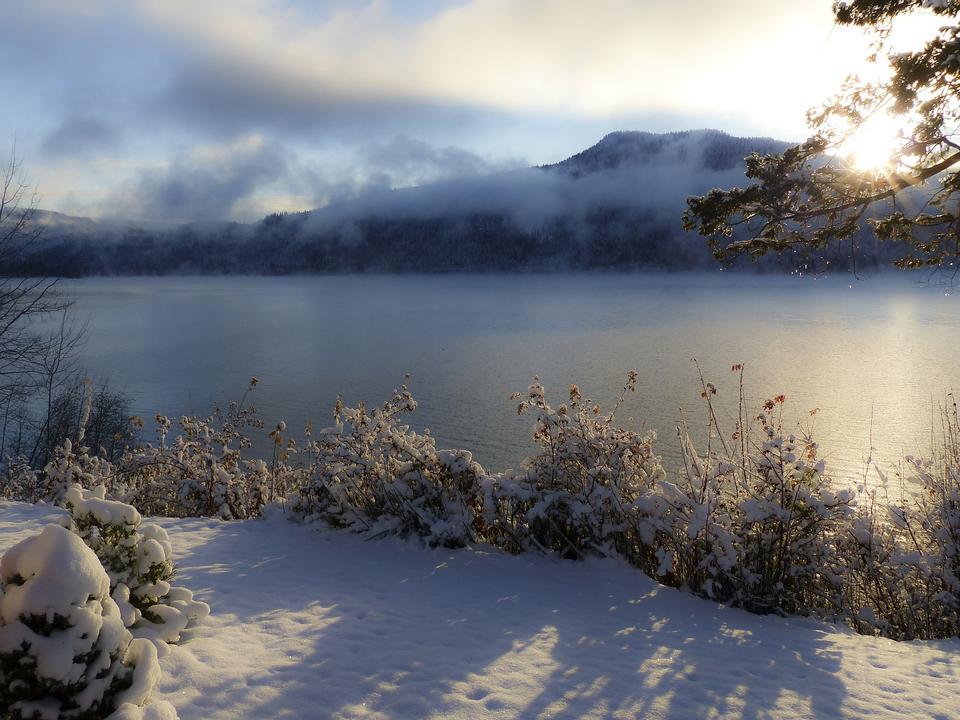 寒云Canim湖加拿大不列颠哥伦比亚省