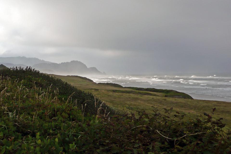 俄勒岡州海岸西北太平洋的懸崖和海灘