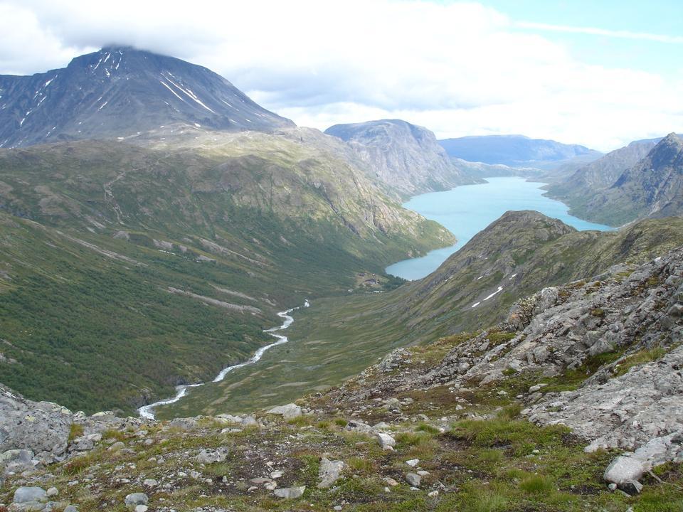 ヨーツンヘイム山地、ノルウェーの湖Gjende