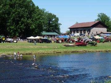 Descarga gratis la imagen de alta resolución - tractor de arrastre Jump River, Wisconsin