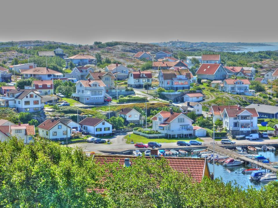 Pequeña Aldea Birch Island en Suecia