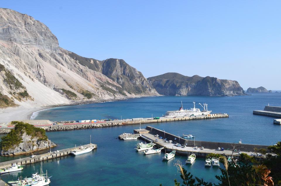 Blue waters of Kozu Island, Tokyo