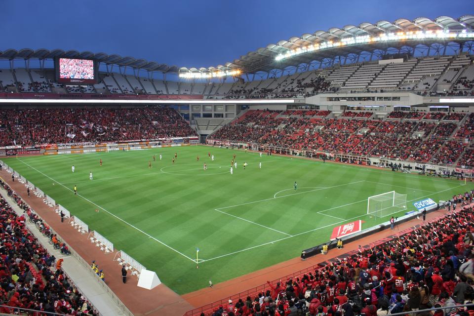 日本では茨城県立カシマサッカースタジアム
