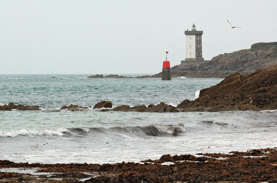 kermorvan lighthouse, france brittany