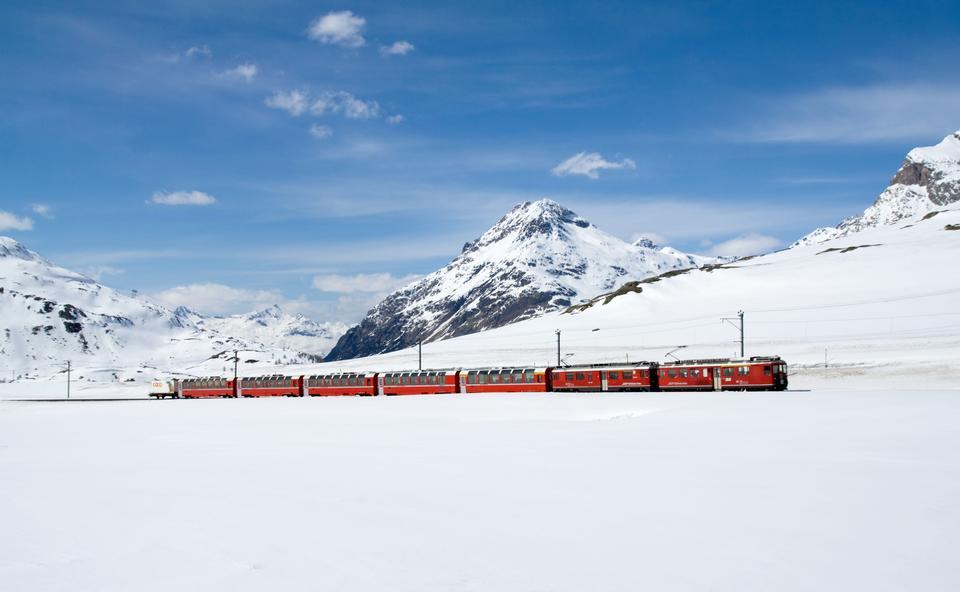 Bernina Express nei pressi di St Moritz